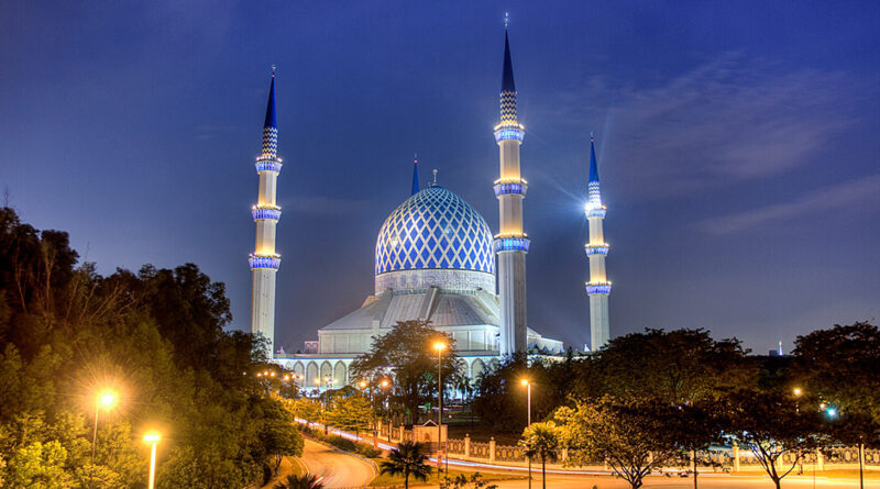 Sultan Selahaddin Abdulaziz Camii
